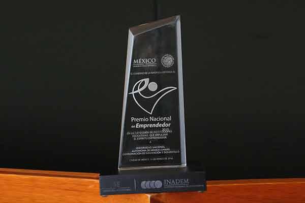 La Universidad Nacional Autónoma de México obtuvo el primer lugar del Premio Nacional del Emprendedor 201