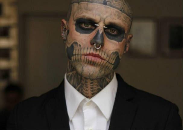 Hombre Con Más Tatuajes En El Mundo Toma Radical Decisión Video