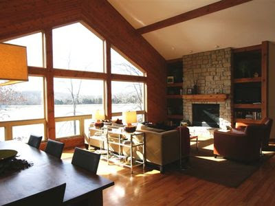 Reviews of Gorgeous Large Lake House w/ 500 sq. ft Private Beach ...