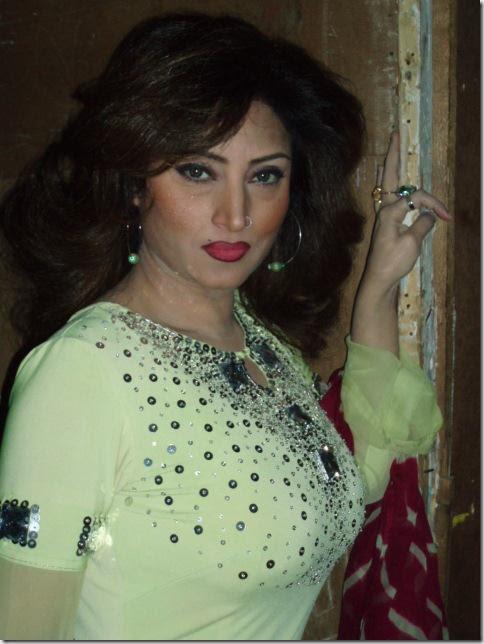 10+ Pakistani Hot Actress Pics | Sexy Thigh Bikini ...