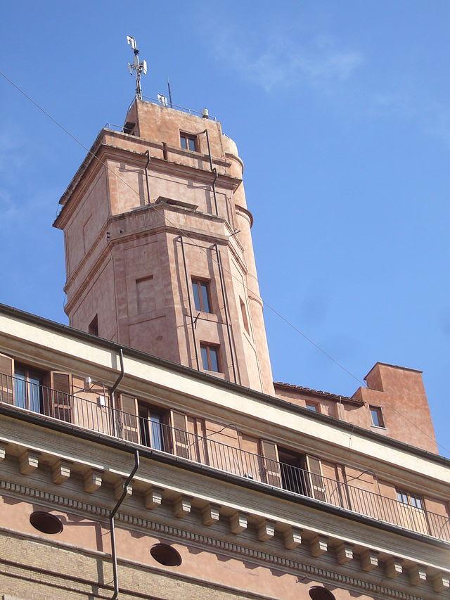 Pigna - torre Calandrelli osservatorio del Collegio Romano 1280163.JPG