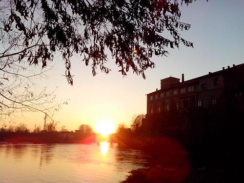 Il tramonto dal canale Muzza by Ylbert Durishti