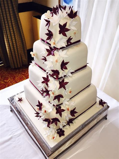 Wedding Cakes   Delicious Designs   Wedding Cake Specialists