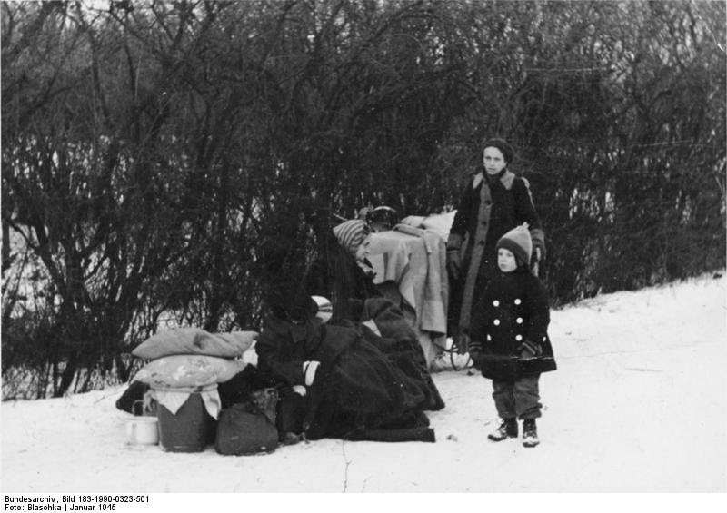 File:Bundesarchiv Bild 183-1990-0323-501, Flüchtlingsfamilie in Oberschlesien.jpg