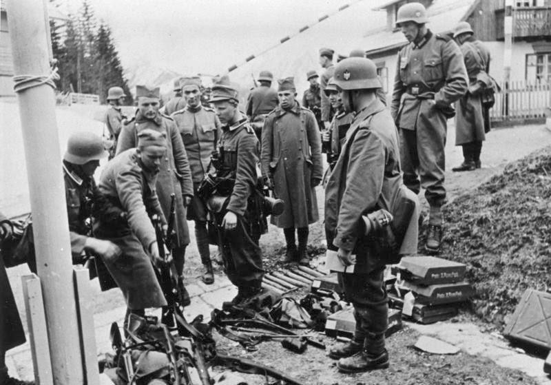 File:Bundesarchiv Bild 146-1975-036-24, Jugoslawien, serbische Gefangene.jpg