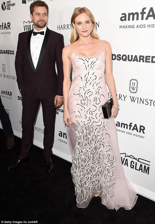 Noite: Joshua Jackson e Diane Kruger tinha vestido com esmero para as festividades da noite
