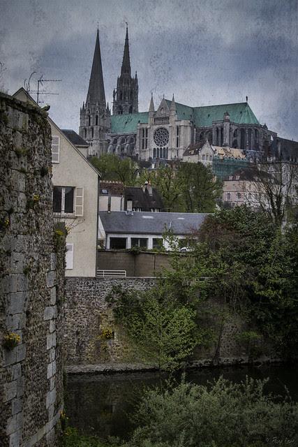 Cathédrale Notre-Dame de Chartres from a distance