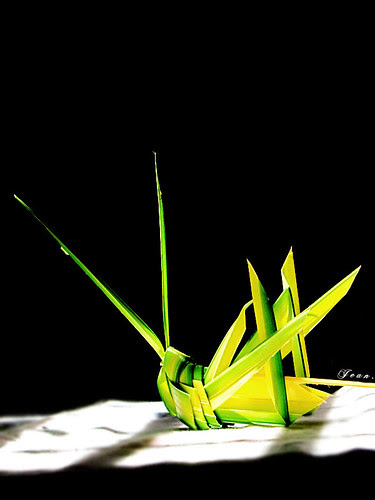 Cào cào lá dừa - Handmade Green Grasshopper. by Jean.bear.