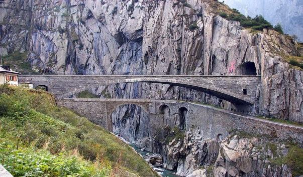 "perierga.gr - 6 παράδοξες ""γέφυρες του Διαβόλου""!"