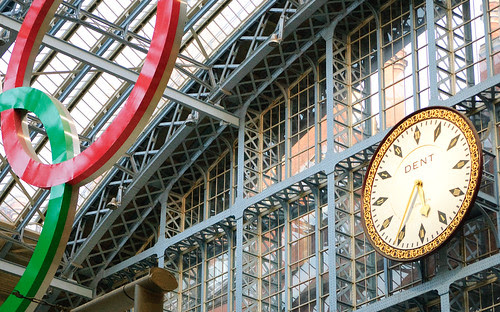 Saint Pancras Railstation's watch by Itajai de Albuquerque