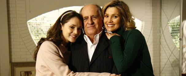 Jacques (Ary Fontoura) é bisavô de Bianca (Isabelle Drummond) e avô de Dafne (Flávia Alessandra) (Foto: Divulgação/ Globo)