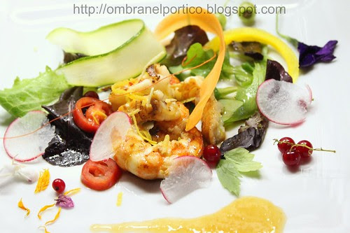 Gamberoni e salsa di pesche
