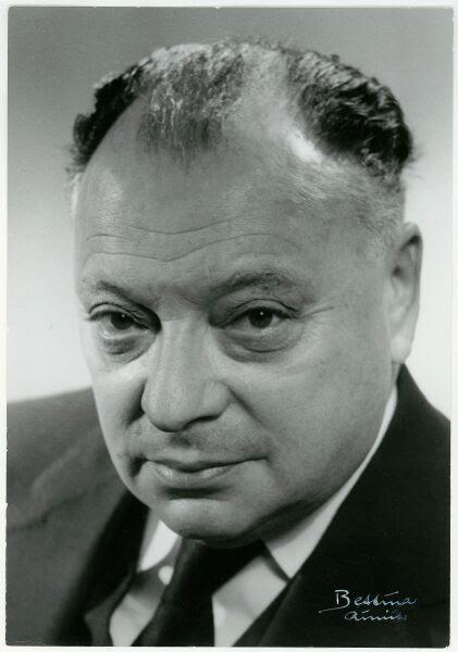 Archivo:Wolfgang Pauli ETH-Bib Portr 01042.jpg