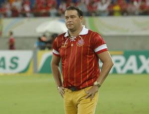 Roberto Fernandes, técnico do América-RN (Foto: Alexandre Lago)