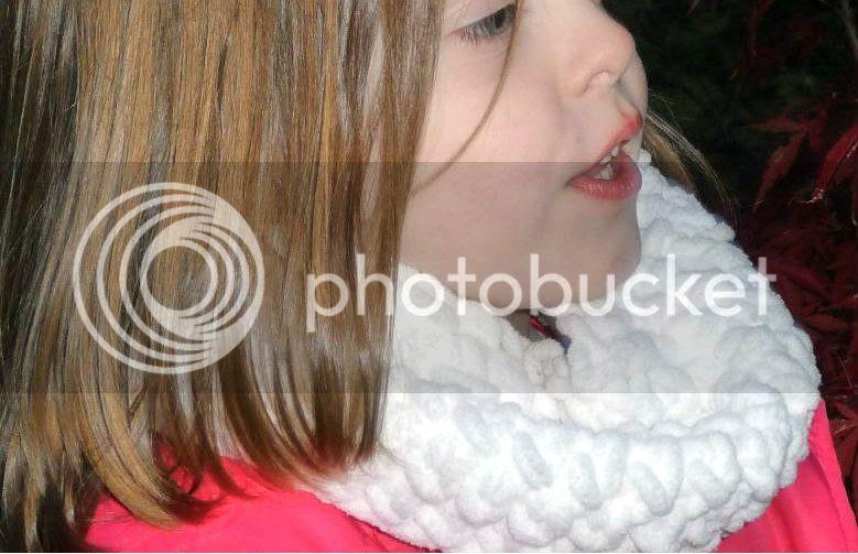 little girl's crochet cowl scarf pattern