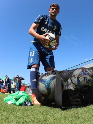 Léo Duarte segue nos planos do Flamengo (Foto: Gilvan de Souza)