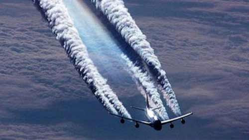 http://www.nouvelordremondial.cc/wp-content/uploads/2015/03/chemtrails.jpg