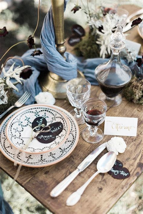 How To Have An Ancient Roman Wedding   Table Decor For