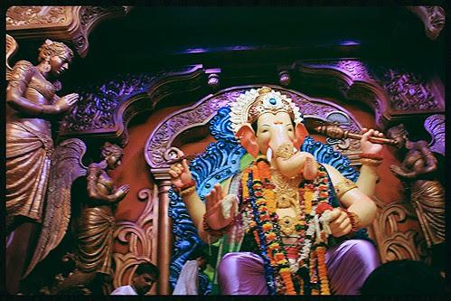 Hee Shaan Konachi - Lalbagh Chya Raja Chi .. by firoze shakir photographerno1