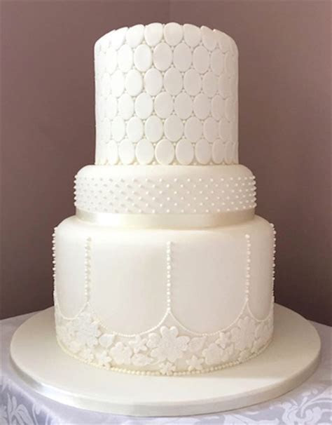 A Bite of Delight   wedding cake company based in Wiltshire