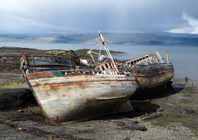 27061 - Ruined boats at Salen, Isle of Mull
