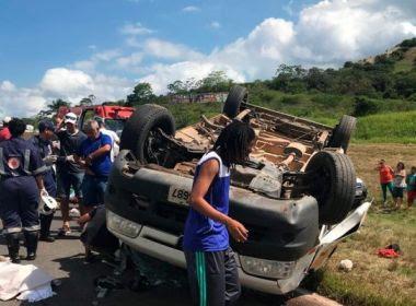 Sete ficam feridos após van capotar na BR-324 em São Sebastião do Passé