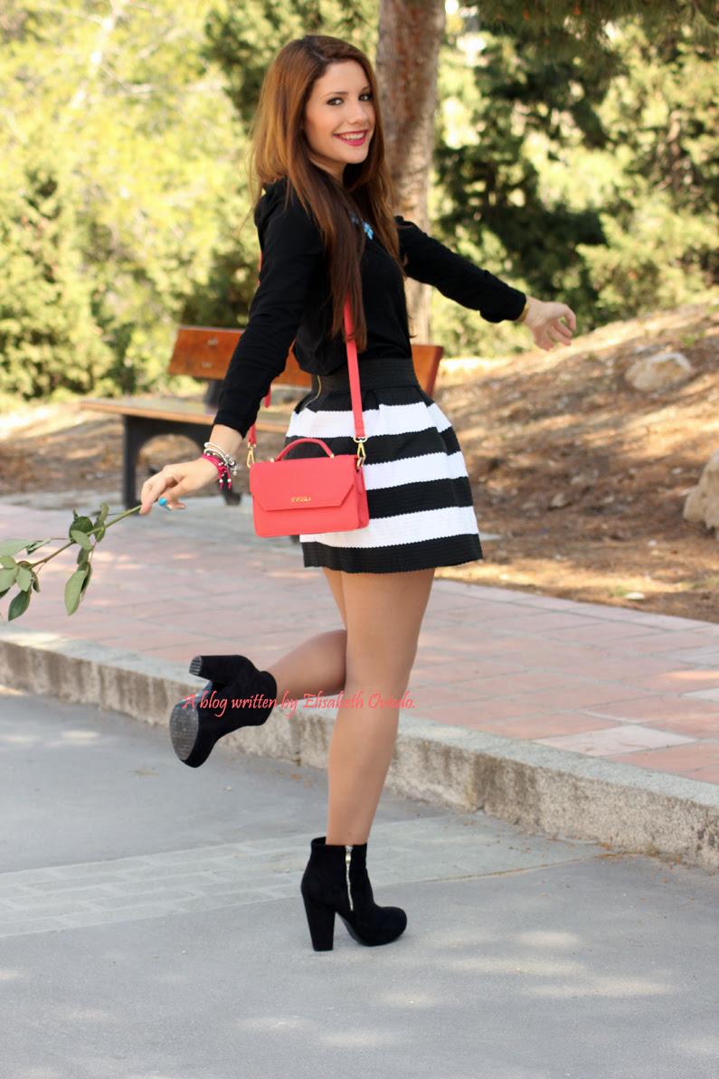 Bolso-Bissú-HEELSANDROSES-falda-de-vuelo-blanca-y-negra-(7)