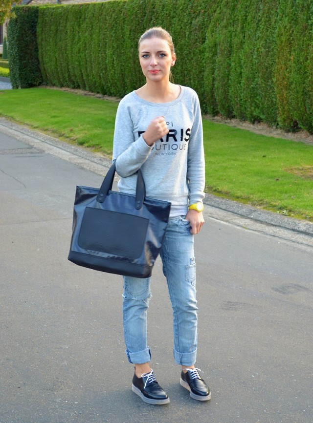outfit inspiration of belgium fashion blogger turn it inside out wearing mango paris boutique sequin sweater zara trf destroyed jeans zara trf transparent derby marc by marc jacobs special collection denim coated bag and ice watch