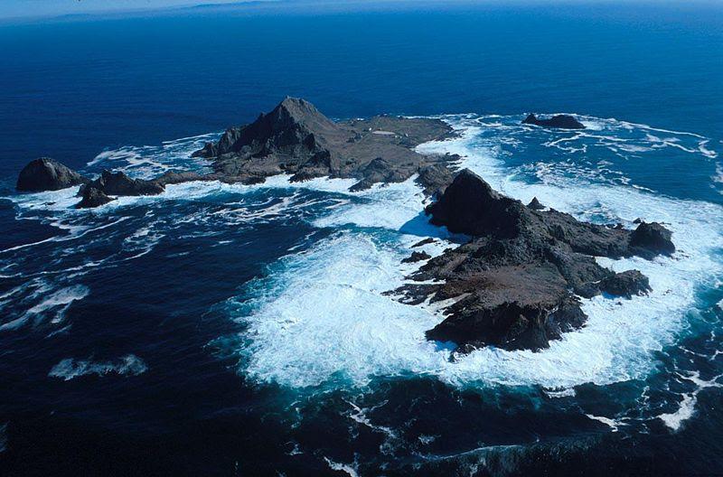 File:SE Farallon Island.jpg