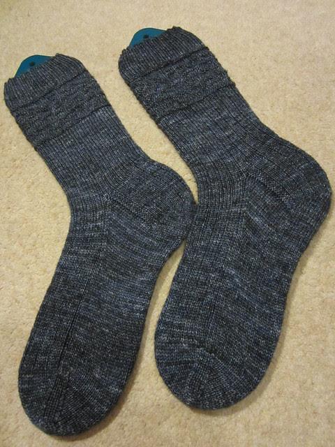 Fishbone Gansey socks (1)