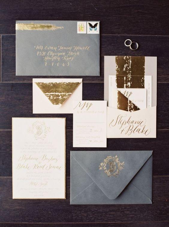 ein soft-Hochzeits-Einladung-suite in den Farben Grau, gold und weiß, mit gold-glitter