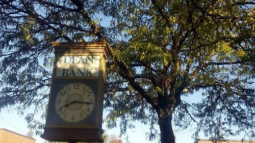 Dean Bank clock