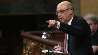 Cristóbal Montoro, aquest divendres, al ple del Congrés (EFE)