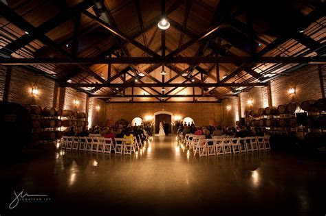 Delaney Vineyards & Winery   Weddings (Grapevine, TX