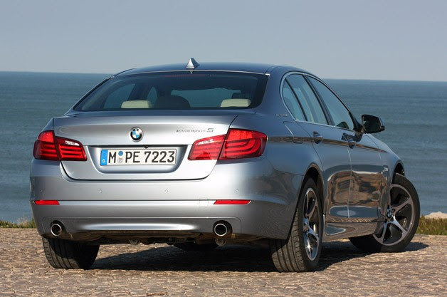 2013 BMW ActiveHybrid 5 rear 3/4 view