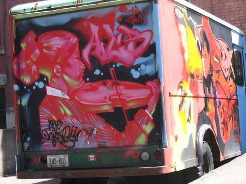 violin & vampire truck