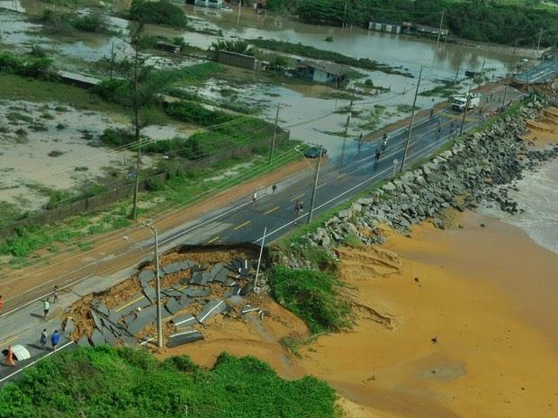 Em 168 horas, litoral do Espírito Santo registra o maior volume de chuva de todo o planeta - Decretado estado de emergência