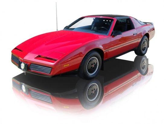 1982 Pontiac Firebird Trans Am V8 5.0 - my dream car when I was little!