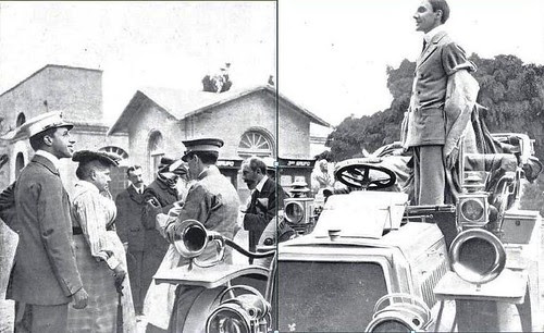 Alfonso XIII y la familia real en la fiesta automovilística del Real Automovil Club. Fábrica de Armas de Toledo, 1905