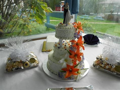 Mario's Bakery, Inc.   Wedding Cakes