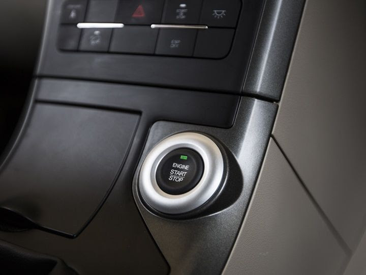 Push button start option is also available on 2015 Mahindra XUV500 W10 version