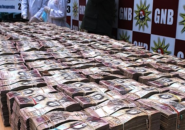 Resultado de imagen para MILLONES DE BILLETES DE 100