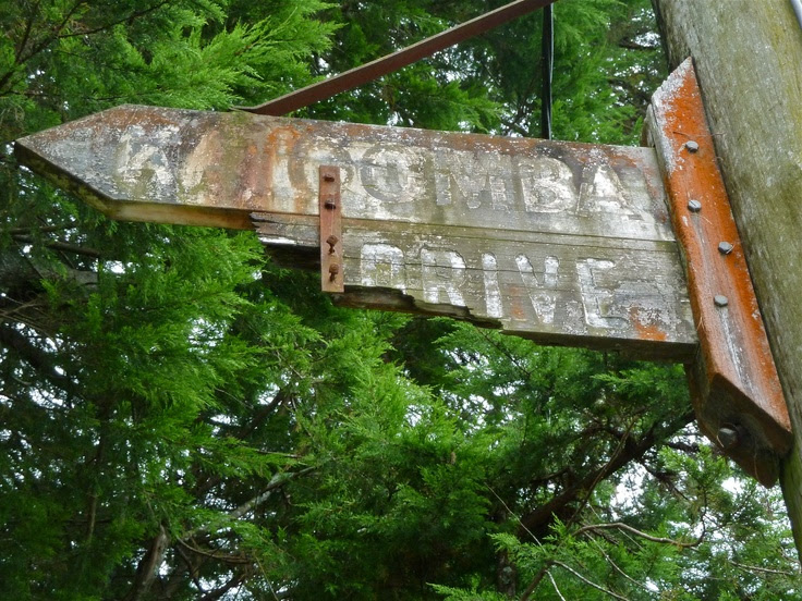 Pinterest   sign rustic timber Distressed/Rustic  australia  Signs  street   NSW signs Timber Leura,