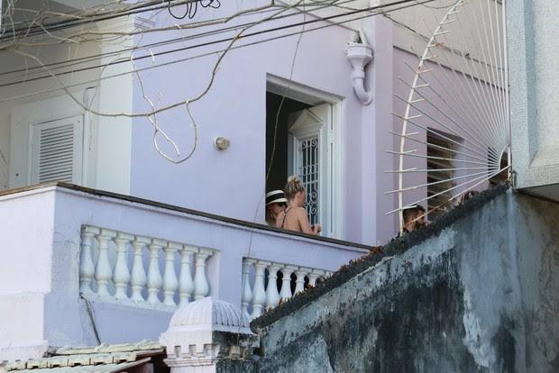 Amber Heard mulher de Jonny Deep passeando na Lapa (Foto: AgNews)