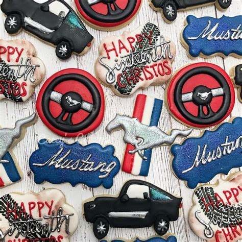 Best 25  Mustang cake ideas on Pinterest
