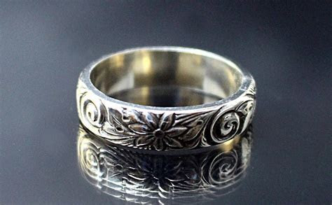 Daisy Ring Solid Sterling Silver Floral Patterned Wedding