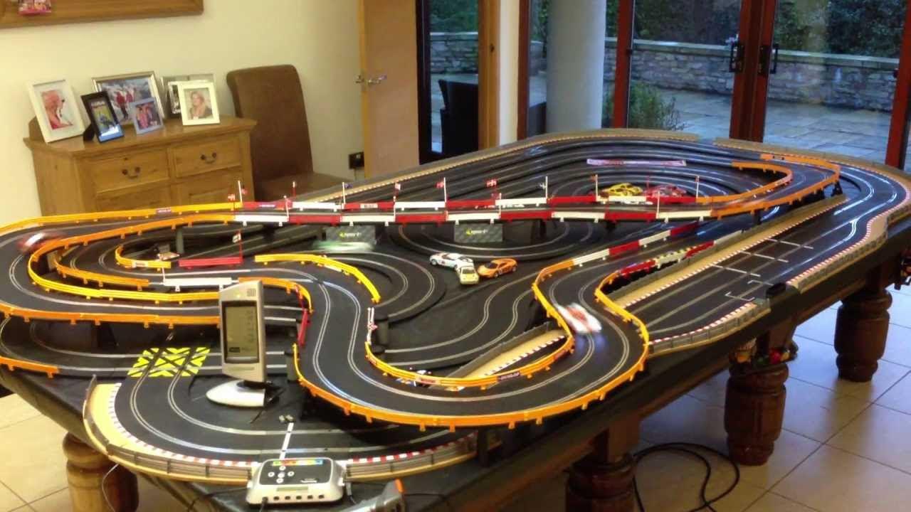 Slot racing car set