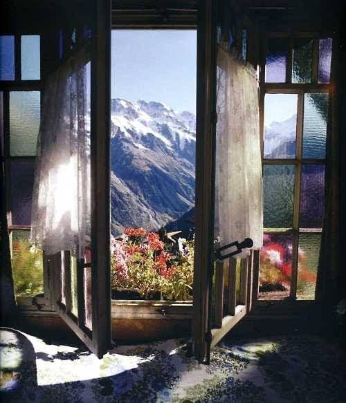 Mountain View, The Alps, Switzerland photo via lifeof