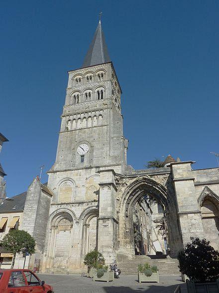 La façade de l'église Notre-Dame.