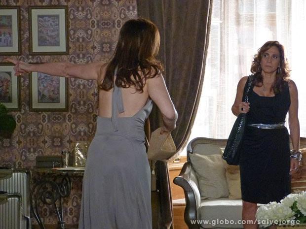 Wanda deixa claro que pode enfrentar Lívia  (Foto: Salve Jorge/TV Globo)